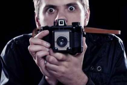 Creepy_Photographer2.jpg?itok=vQgvK0QD