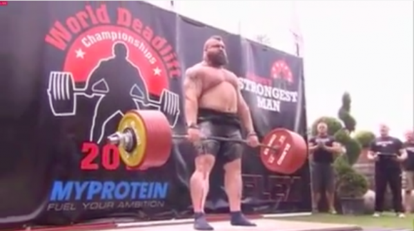 Eddie Hall sets new deadlift record with 1020lbs | MUSCLE INSIDER
